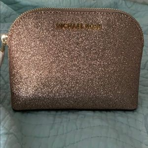 Michael Kors Emmy Leather Travel pouch
